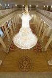 喀山,俄罗斯- 2017年1月16日,香港大会堂-豪华和美好的旅游地方-金黄舞厅,水晶看法  图库摄影