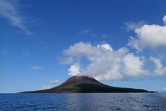 喀拉喀托火山山 免版税库存图片