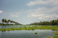 喀拉拉水路和小船 图库摄影