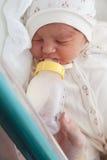 新出生的女孩在产科医院 库存图片