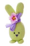 喂绿色手工制造复活节兔子 库存照片
