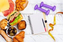 善饥癖或饮食失调概念 饮食时间 免版税库存图片