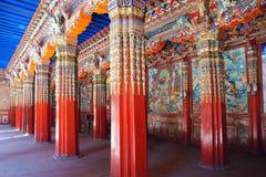 喇嘛寺院大厅 免版税库存照片