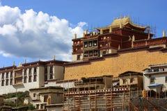 喇嘛寺院石楠sumtse 库存图片