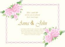 喜帖,与玫瑰色花的邀请卡片在象牙backgrou 免版税图库摄影
