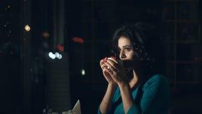 喜悦的妇女咖啡馆的 股票录像