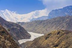 喜马拉雅山安纳布尔纳峰山basecamp迁徙的足迹,尼泊尔 免版税库存照片