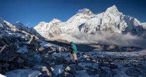 喜马拉雅山的巨大全景风景Khumbu谷的 图库摄影