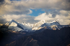 喜马拉雅山脉 免版税库存照片