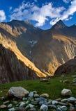 喜马拉雅山谷 免版税库存图片