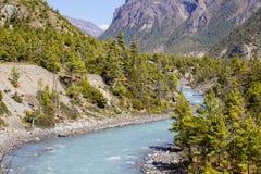 喜马拉雅山风景 美好的风险长的山河 迁徙的路线到Dolpo -西尼泊尔,喜马拉雅山 图库摄影