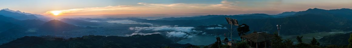 喜马拉雅山,尼泊尔的全景 免版税图库摄影