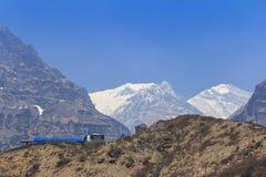 喜马拉雅山Machapuchare basecamp迁徙的足迹的,尼泊尔宾馆 免版税库存照片