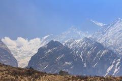喜马拉雅山Machapuchare basecamp迁徙的足迹的,尼泊尔宾馆 图库摄影