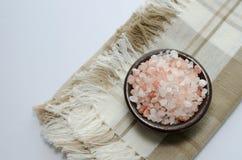 喜马拉雅桃红色海盐 库存照片