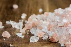 喜马拉雅盐-桃红色岩盐 库存照片