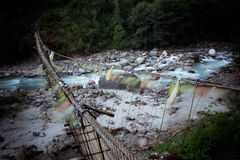 喜马拉雅谷,对Namche义卖市场的高桥梁 免版税库存图片