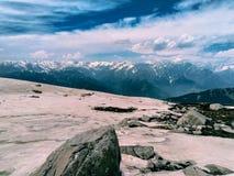喜马拉雅雪风景在山上面的  免版税库存图片