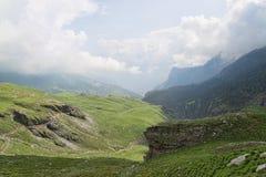 喜马拉雅绿色山风景 库存照片