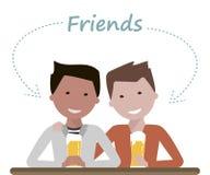 喝啤酒的双人朋友 库存图片