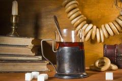 喝在葡萄酒样式的茶 免版税图库摄影
