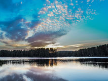 喵喵叫湖日落安大略阿尔冈金省立公园 库存图片