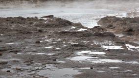 喷发在慢动作,冰岛的Strokkur喷泉 影视素材