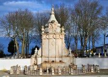 喷口和庭院喷泉  免版税库存照片