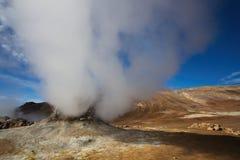 喷气孔领域在Namafjall地热地区, Hverir,冰岛 库存图片
