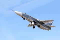 喷气机军人飞行 免版税库存照片