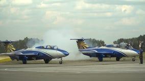 喷气机发动在站点的引擎 影视素材