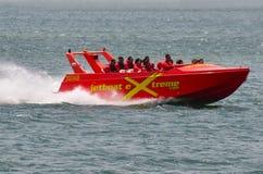 喷气机小船乘驾在英属黄金海岸昆士兰澳大利亚 库存照片