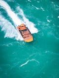 喷气机小船尼亚加拉瀑布 免版税库存图片