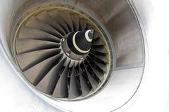 喷气机引擎的特写镜头有慢慢地运动的刀片的 库存图片