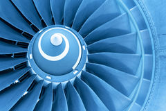 喷气机引擎,蓝色光巨人刀片  免版税库存照片