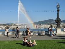 喷气机有彩虹的d'eau喷泉 库存图片