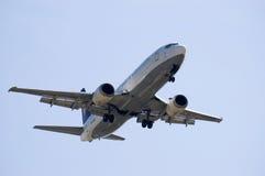 喷气机着陆 免版税库存图片