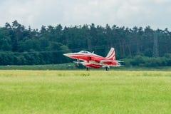 喷气机诺思罗普F-5E老虎着陆II 免版税库存照片
