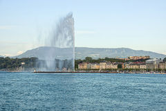 喷气机d eau在日内瓦 库存照片