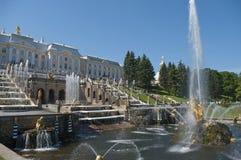 喷泉俄国夏天 免版税库存图片