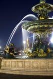 喷泉到位de la协和飞机在晚上, 2012年3月14日在巴黎,法国 免版税库存图片