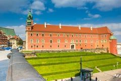 喷泉和华沙,波兰反射的表面  库存照片
