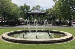喷泉和演奏台 免版税库存图片
