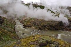 喷泉和热的河堪察加 免版税库存照片