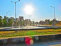 喷泉和阳光 免版税库存照片