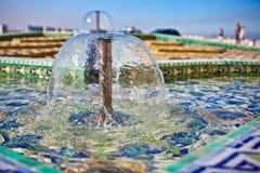 喷泉哈桑ii清真寺 库存照片
