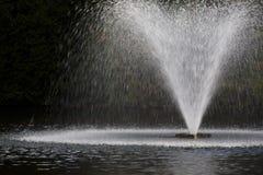 喷泉喷洒的水 库存图片
