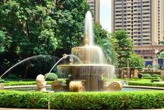 喷泉在公园洒 图库摄影