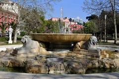 喷泉在别墅Comunale庭院,那不勒斯,褶皱藻属,意大利里 库存图片