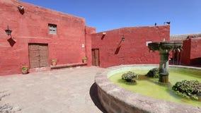 喷泉在圣诞老人卡塔利娜阿雷基帕修道院里  影视素材